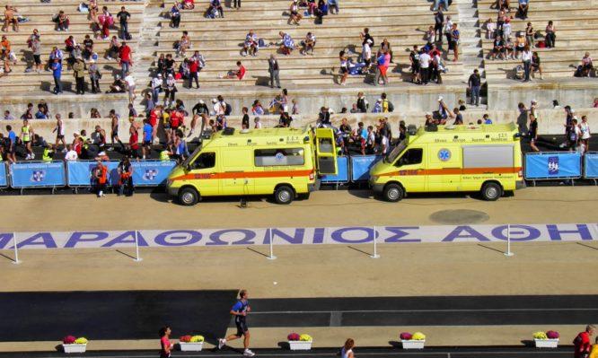 37ος Μαραθώνιος: Είκοσι δρομείς διακομίστηκαν σε νοσοκομεία – Οι δύο με έμφραγμα | tlife.gr