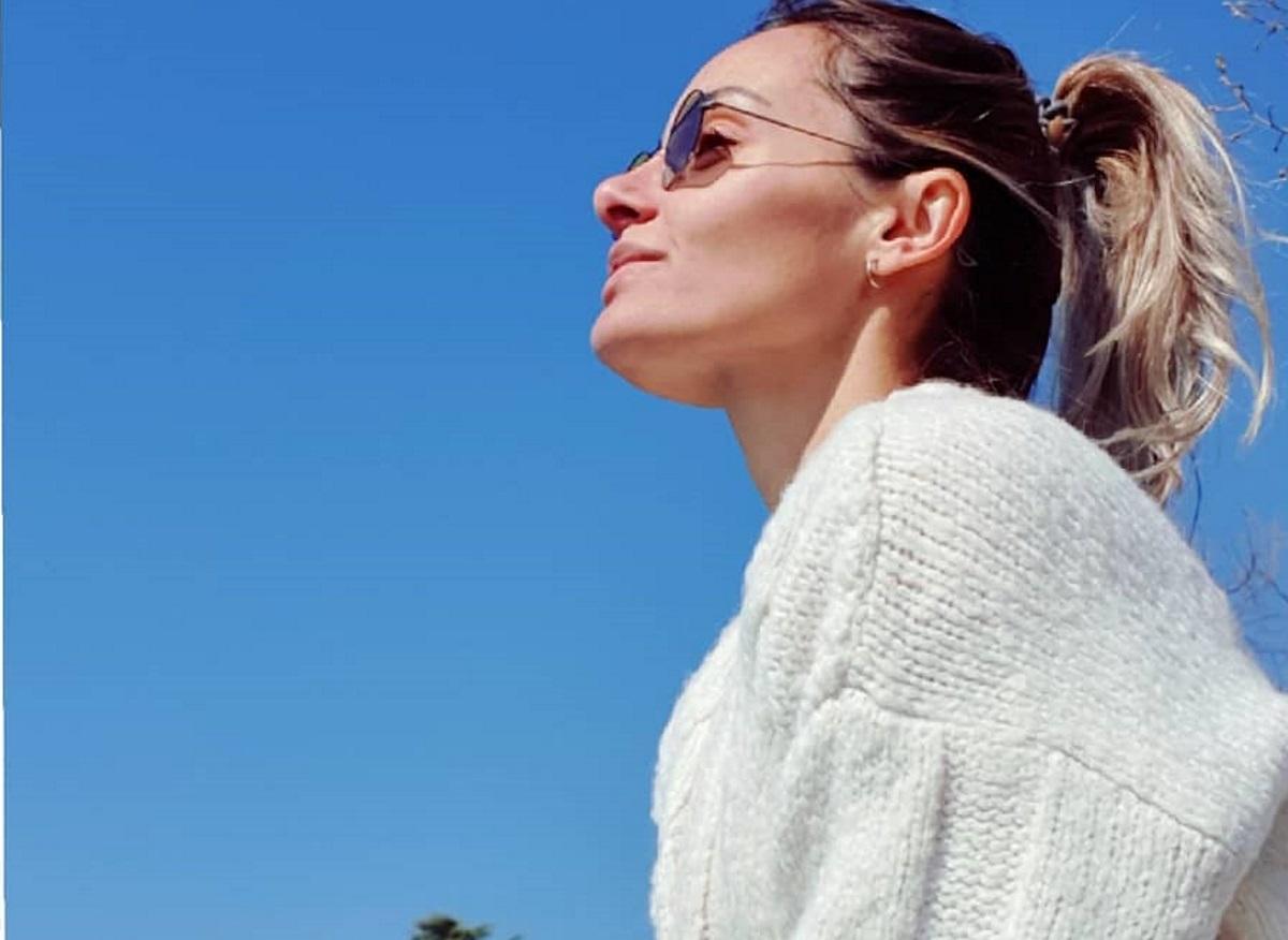 Βασιλική Μιλλούση: Η πρώτη βόλτα με την 18 ημερών κόρη της! [pic]