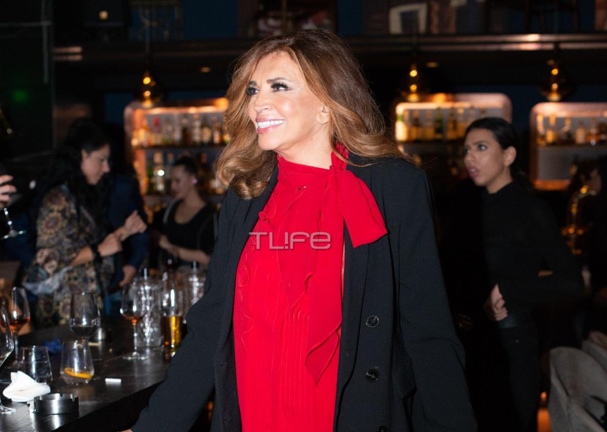 Μιμή Ντενίση: Chic εμφάνιση σε βραδινή της έξοδο στο κέντρο της πόλης [pics]