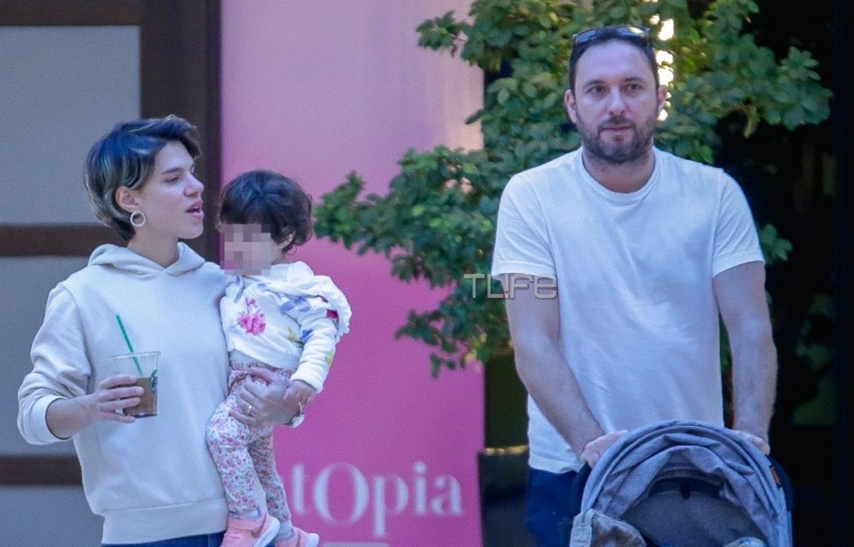 Monika: Σπάνια κοινή εμφάνιση με τον σύζυγό της και την κόρη τους! Για ψώνια στα βόρεια προάστια [pics]