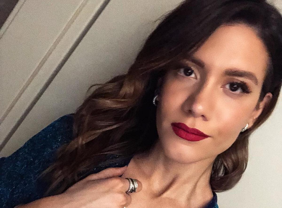 Νίκη Θωμοπούλου: Η σύζυγος του Μαρακάκη μας δείχνει το στολισμένο σαλόνι τους [pic]