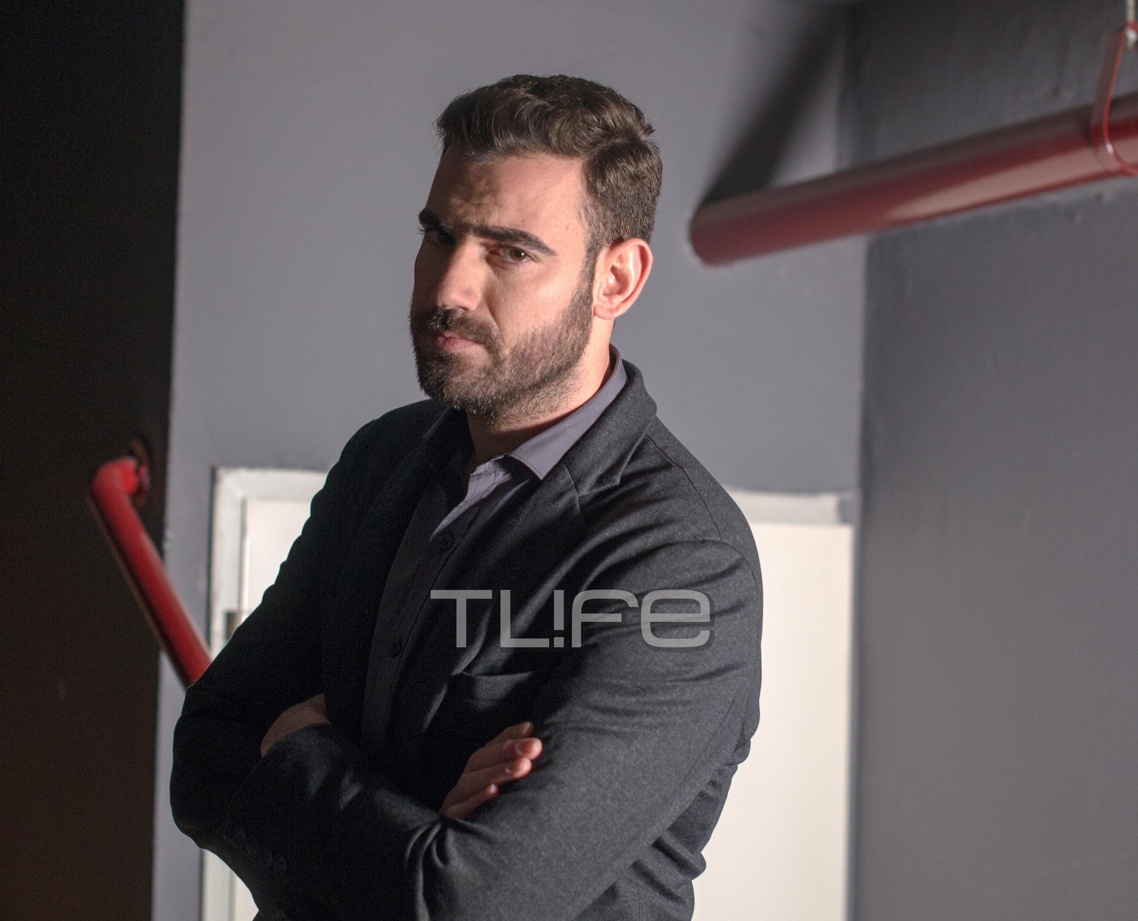 Nίκος Πολυδερόπουλος: Σήκωσε δέντρο που έπεσε στο δρόμο πάνω σε ταξί! BINTEO