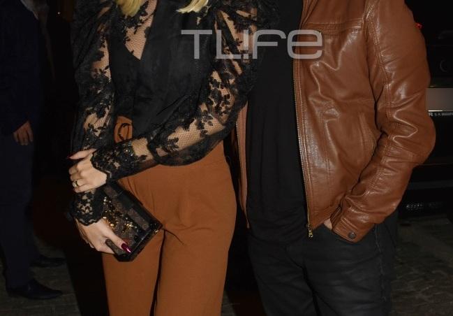 Ποιο ζευγάρι της ελληνικής showbiz εμφανίστηκε με ταιριαστό χρωματικό look σε event! [pics] | tlife.gr