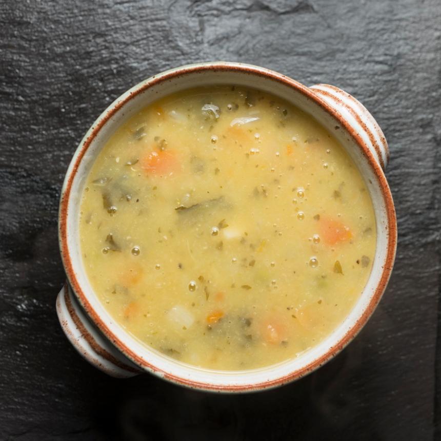 Ζεστή και γευστική σούπα λαχανικών