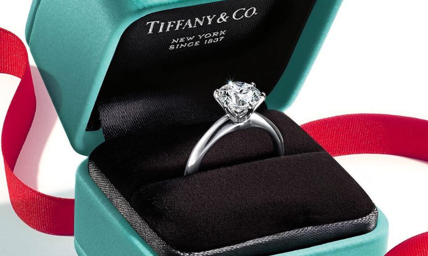 O όμιλος LVMH αγόρασε την Tiffany's με ένα επικό ποσό | tlife.gr