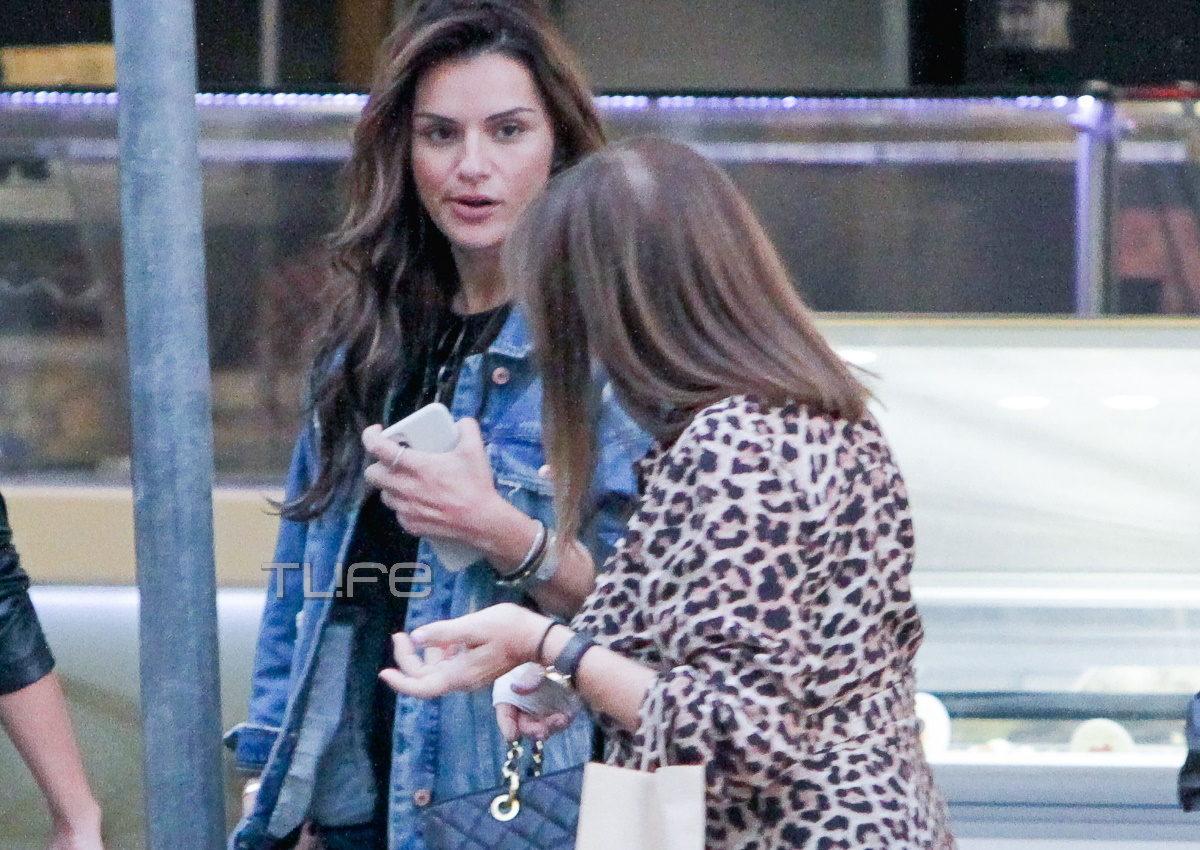 Ελένη Τσολάκη: Βόλτα για αγορές στη Θεσσαλονίκη με την μητέρα της! [pics] | tlife.gr