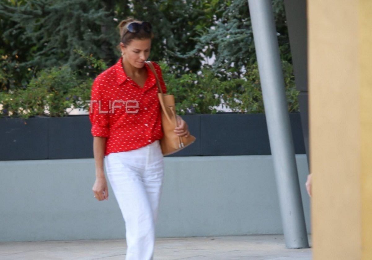 Τζίνα Αλιμόνου: Για ψώνια στα βόρεια προάστια με chic εμφάνιση! Φωτογραφίες | tlife.gr