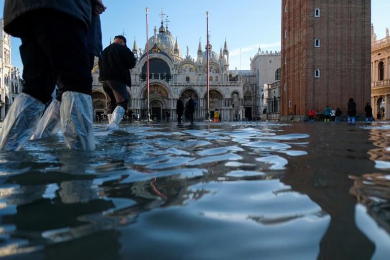 Σε κατάσταση έκτακτης ανάγκης η Βενετία από τις πλημμύρες! Φωτογραφίες   tlife.gr