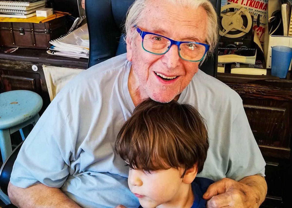 Κώστας Βουτσάς: Είναι full time μπαμπάς και δεν σταματά να παίζει με τον τρίχρονο γιο του! | tlife.gr