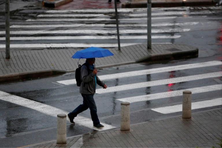Καιρός: Η «Βικτώρια» σαρώνει τη χώρα με ακραία φαινόμενα – Καταστροφές και κλειστά σχολεία στην Κέρκυρα