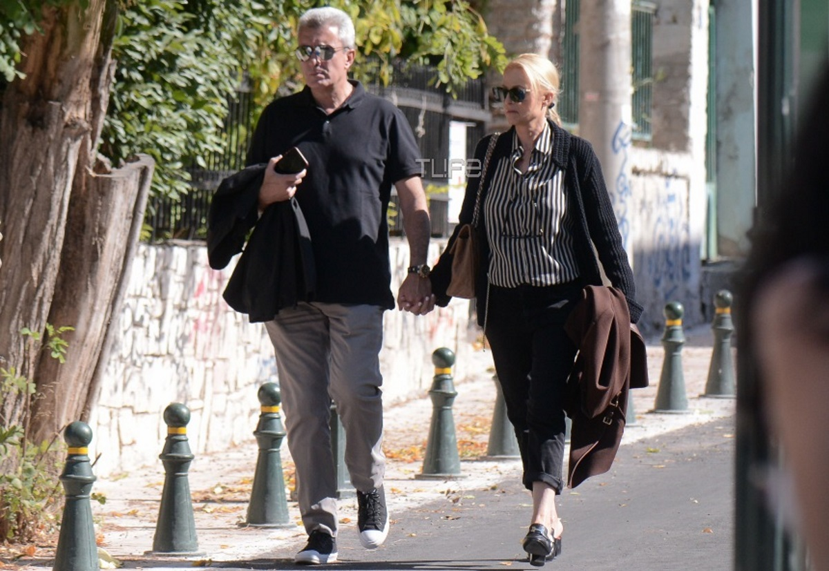 Νίκος Χατζηνικολάου – Κρίστη Τσολακάκη: Χέρι χέρι στους δρόμους της Κηφισιάς! Φωτογραφίες