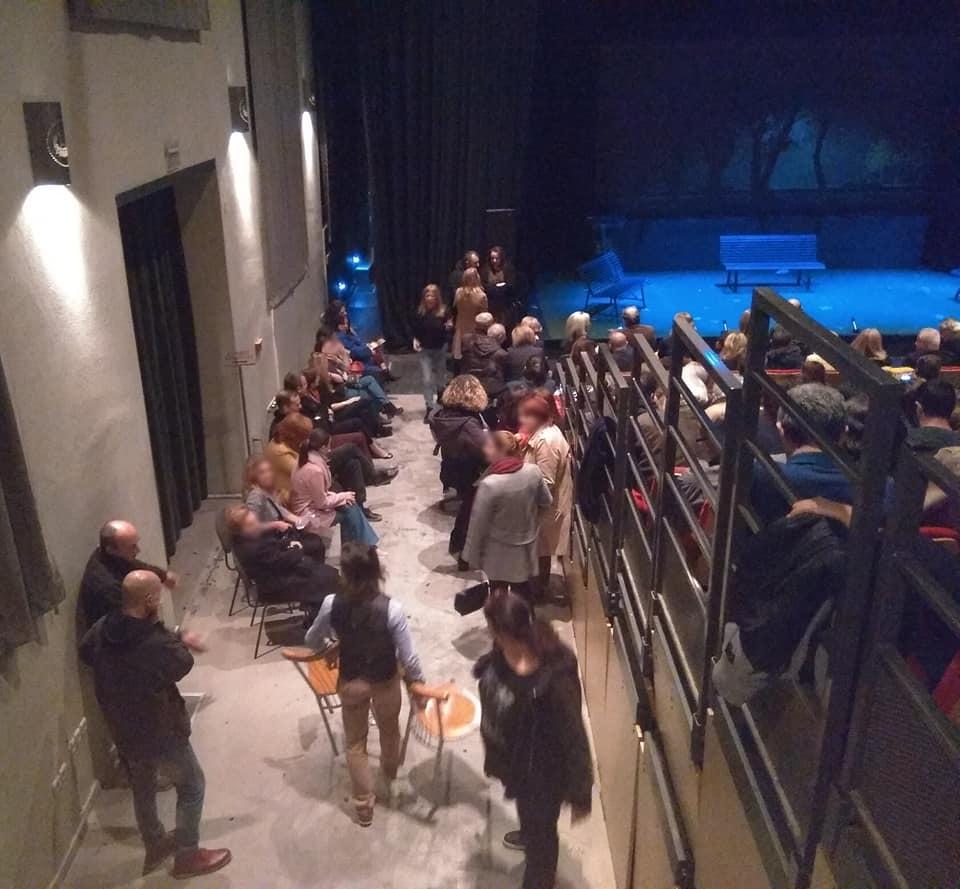 Μπάχαλο στην παράσταση του Γιώργου Κιμούλη - Στα όριά τους οι θεατές (εικόνα)