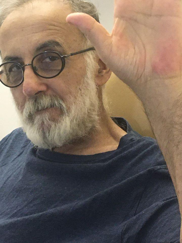 Θάνος Μικρούτσικος: Η έκκλησή του μέσα από το νοσοκομείο! | tlife.gr