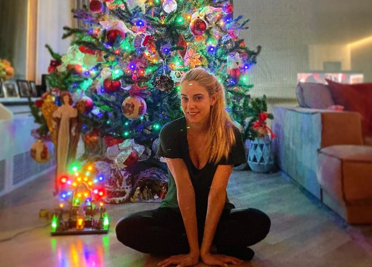 Δούκισσα Νομικού: Η τρυφερή και χριστουγεννιάτικη φωτογραφία με τον αδερφό της!   tlife.gr