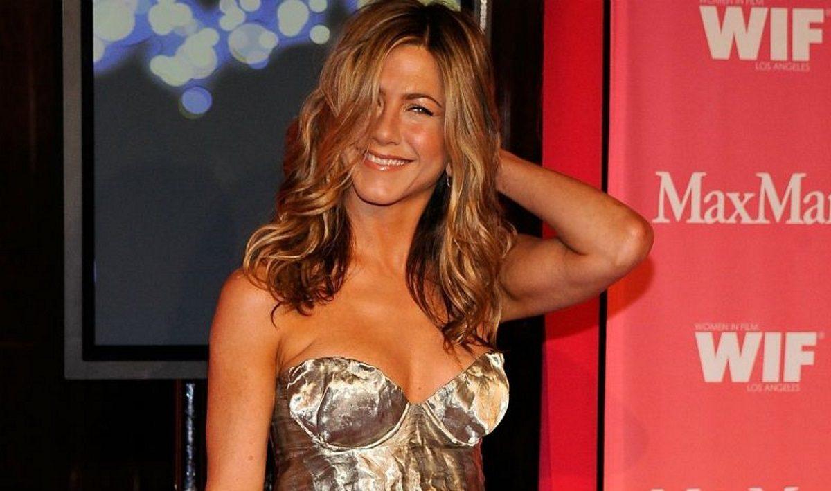 Οι τρυφερές φωτογραφίες που ανέβασε η Jennifer Aniston με τον Έλληνα μπαμπά της! | tlife.gr