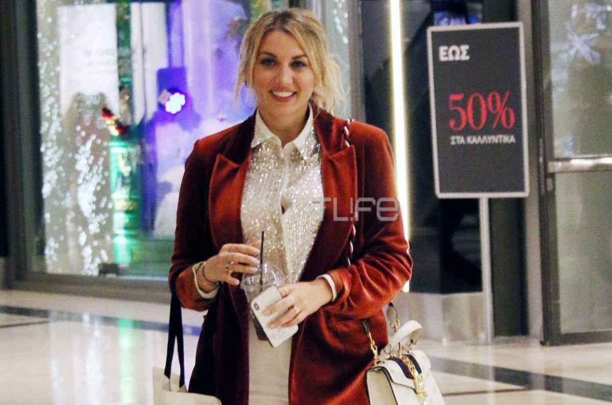 Κωνσταντίνα Σπυροπούλου: Οι τελευταίες χριστουγεννιάτικες αγορές της στα βόρεια προάστια! [pics] | tlife.gr