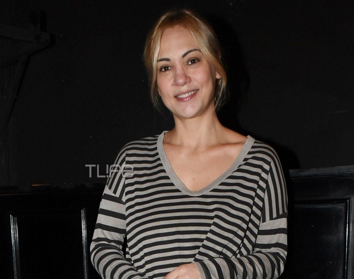 Λίνα Σακκά: Σπάνια έξοδος στο θέατρο με τον γιο της! Φωτογραφίες   tlife.gr