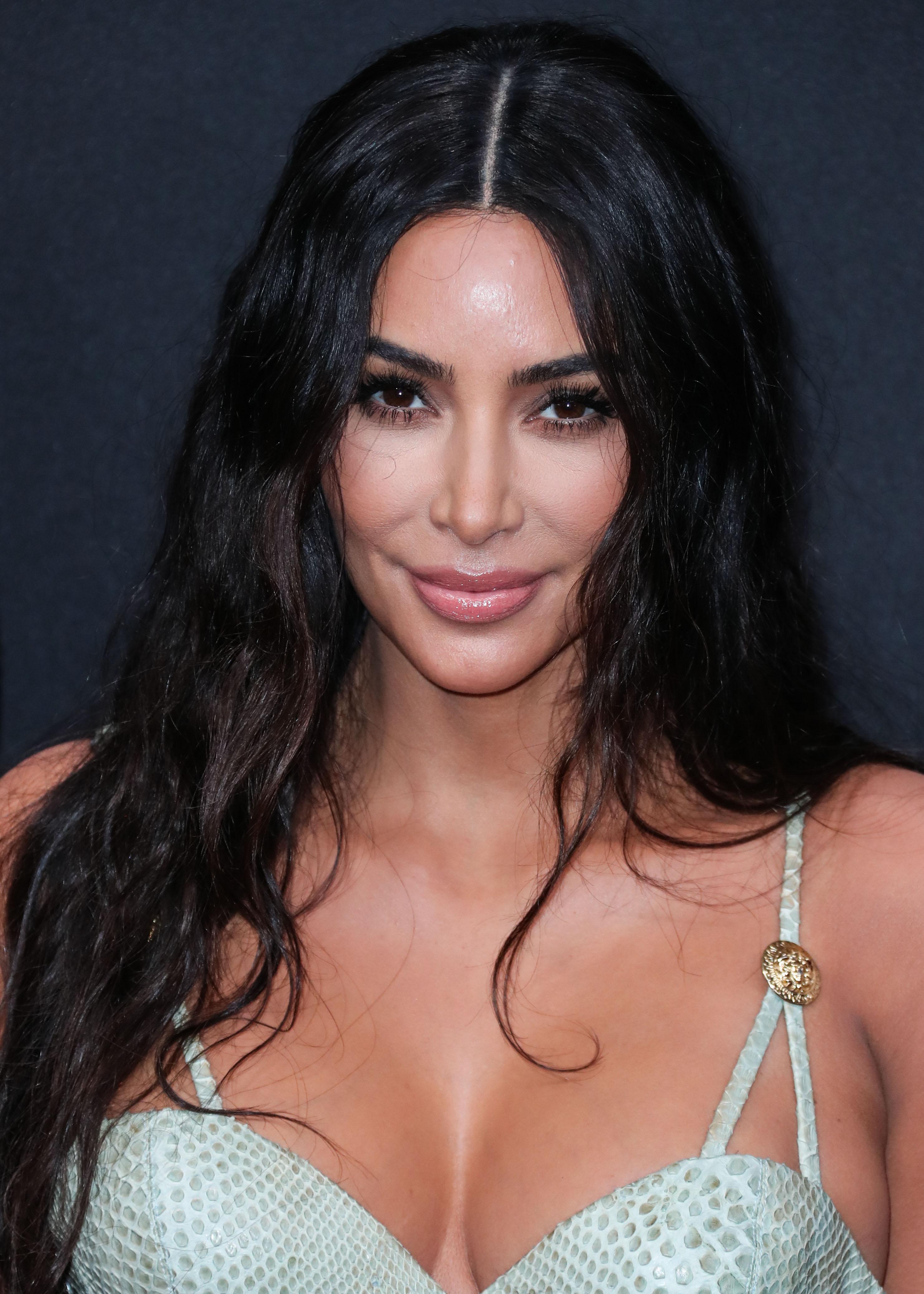 Η Kim Kardashian μήνυσε δερματολόγο!