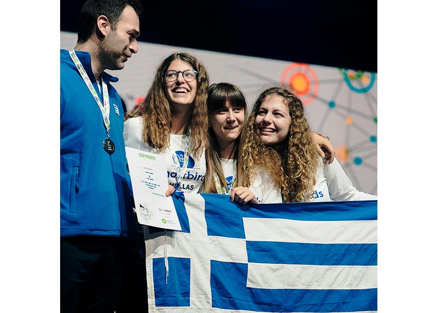 Ένα ρομπότ που διαβάζει συναισθήματα; Τρεις μαθήτριες από την Πάτρα το έκαναν πραγματικότητα και έγιναν Ολυμπιονίκες! | tlife.gr
