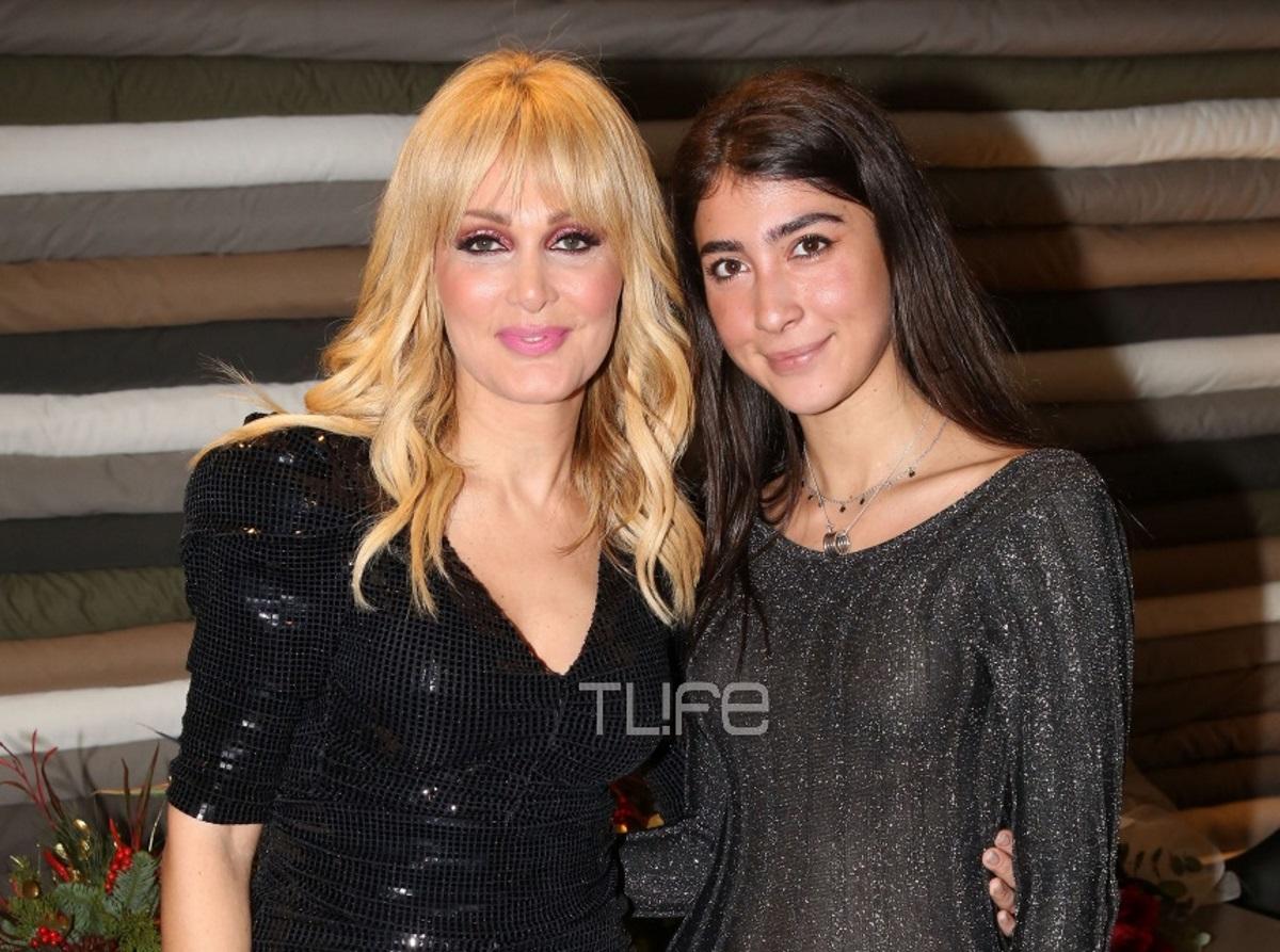 Νατάσα Θεοδωρίδου: Λαμπερή πρεμιέρα στη νυχτερινή Αθήνα με την κόρη της στο πλευρό της! Φωτογραφίες