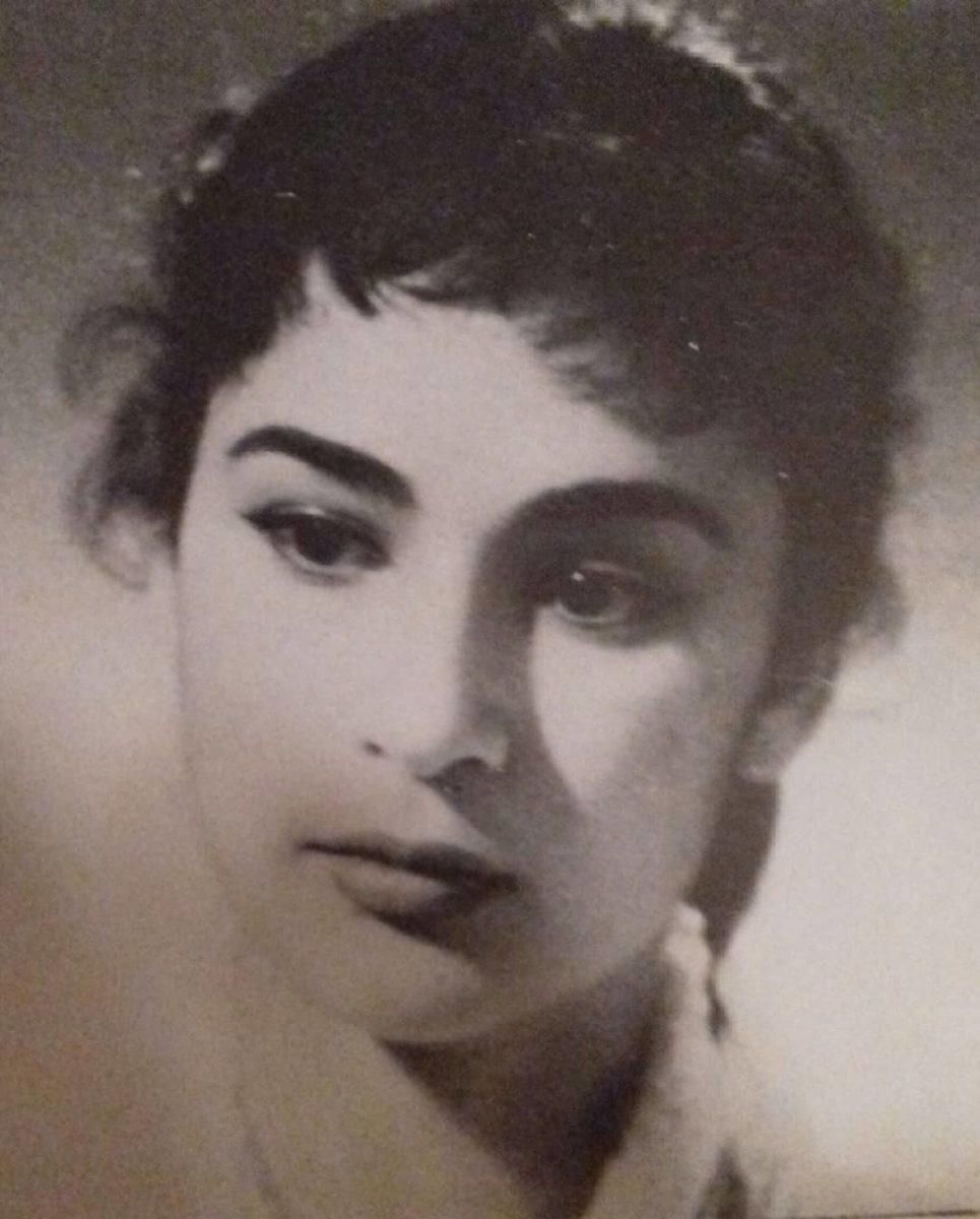 Αλίκη Βουγιουκλάκη: Όταν στη δραματική σχολή είχε μόνο μια φούστα και μια μπλούζα! | tlife.gr
