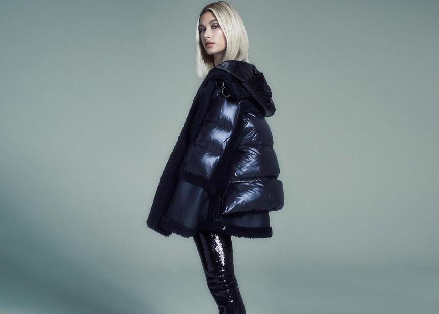 Το αγαπημένο jacket της Hailey είναι αυτό που πρέπει να αποκτήσεις και εσύ!