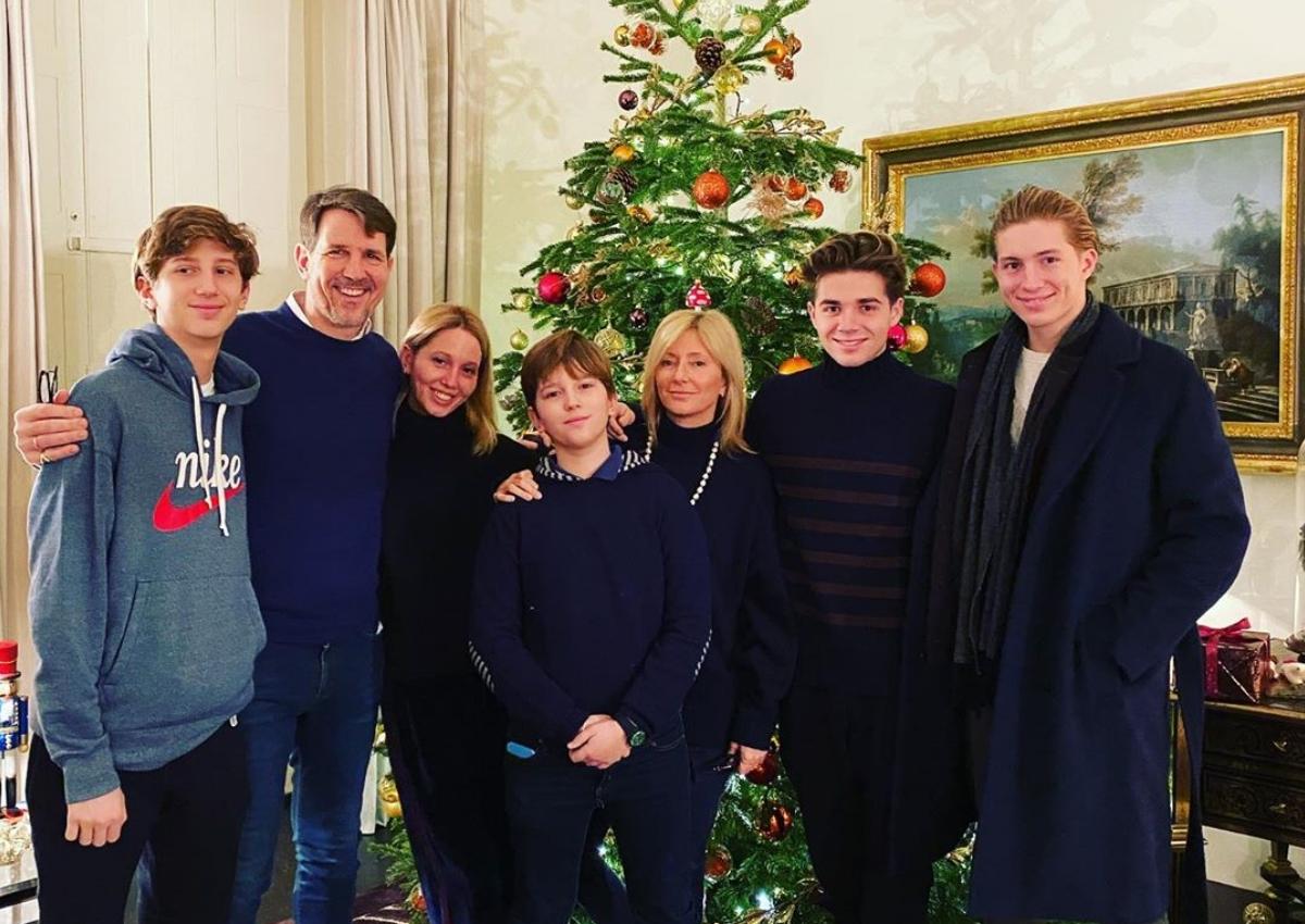 "Marie Chantal – Παύλος: Το ""κυνήγι της αλεπούς"" και οι γιορτές με τα πέντε παιδιά τους! [pics]"