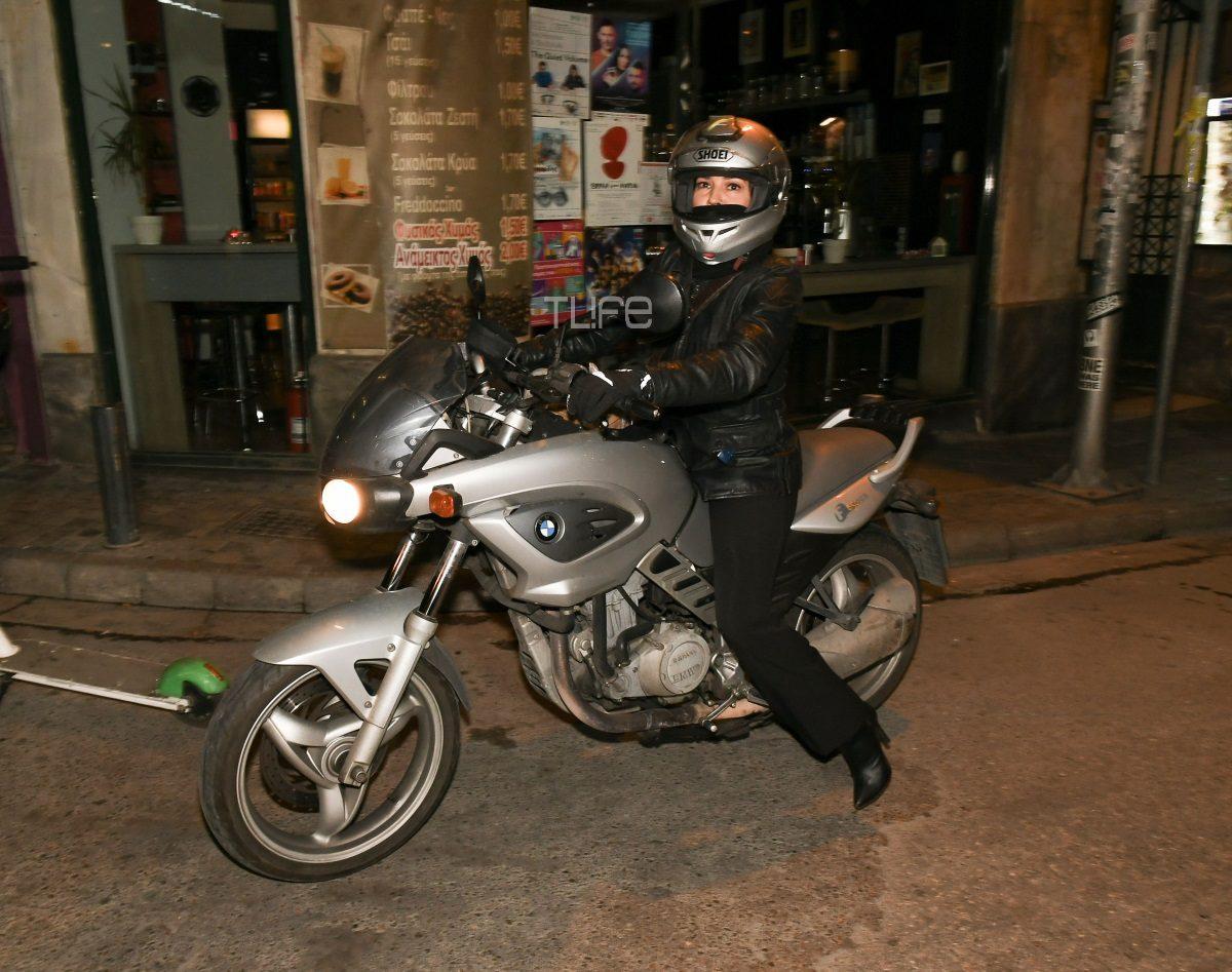 Η Ελληνίδα ηθοποιός είναι… «easy rider» πάνω στη μηχανή της! Δες για ποια πρόκειται [pics] | tlife.gr
