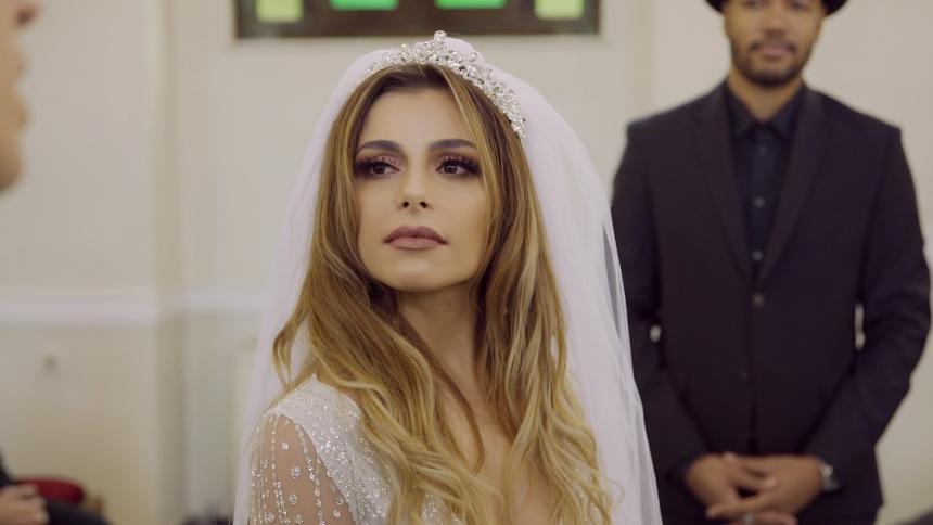 Ελευθερία Ελευθερίου: Απολαυστική στο νέο της videoclip με τον σύντροφό της Δημήτρη Ταταράκη! | tlife.gr