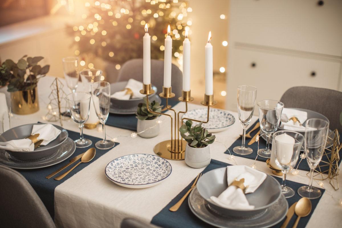 Χριστουγεννιάτικο τραπέζι: Μερικές διακοσμητικές συμβουλές που θα χρειαστείς | tlife.gr