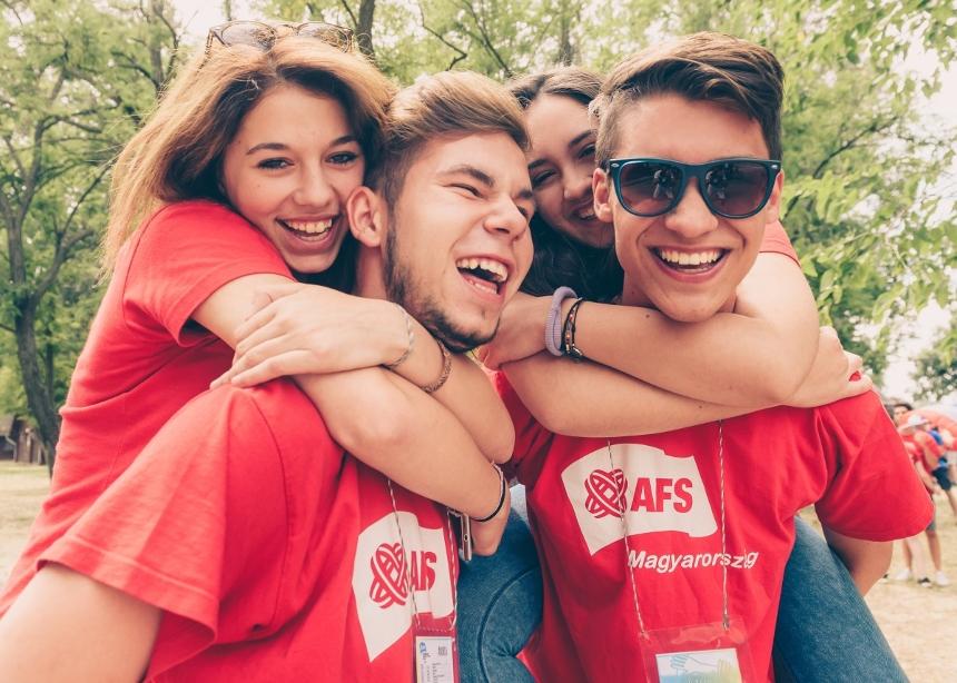 Είσαι μαθητής Λυκείου; 5 + 45 υποτροφίες σε περιμένουν για το πρόγραμμα Διεθνής Ανταλλαγής Μαθητών!   tlife.gr