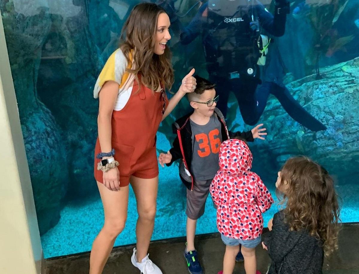 Καλομοίρα: Έζησε την πιο απίστευτη εμπειρία! Κολύμπησε μαζί με καρχαρίες στον Ωκεανό [vids]
