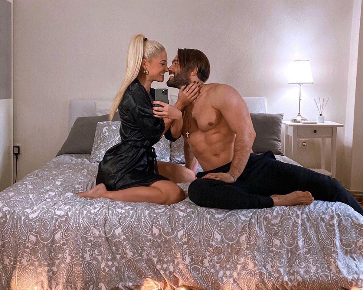 Iωάννα Τούνη – Χρήστος Τσεβρεντζής: Το τρυφερό φιλί του ζευγαριού μπροστά στην κάμερα! | tlife.gr