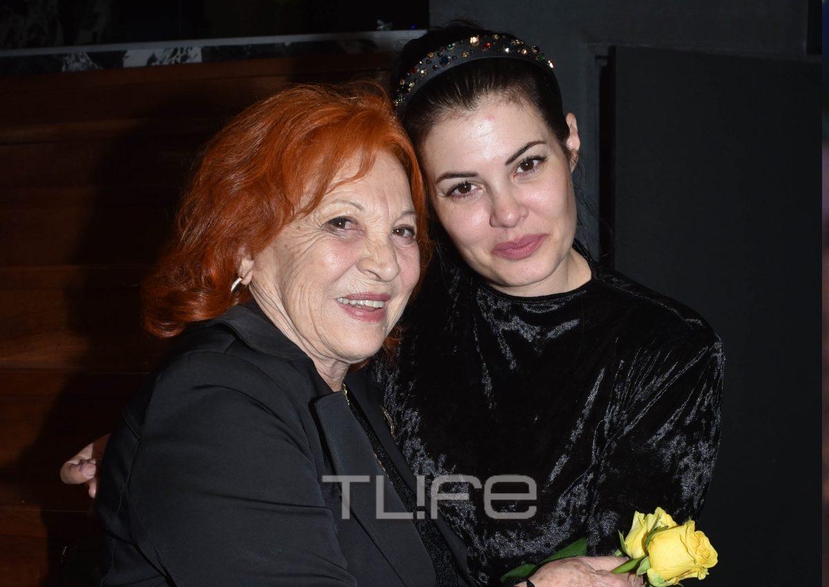 Μαρία Κορινθίου: Έλαμψε στην επίσημη πρεμιέρα της! Ποιοι επώνυμοι βρέθηκαν κοντά της! [pics]   tlife.gr
