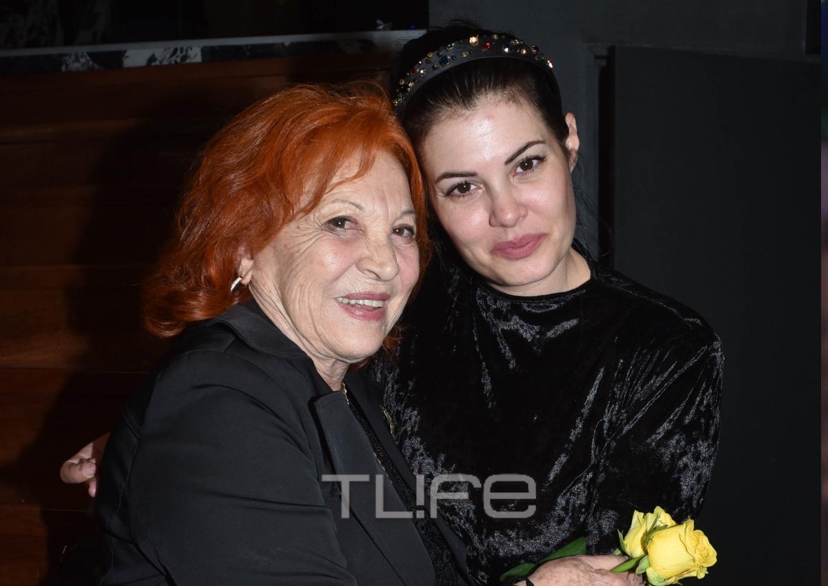 Μαρία Κορινθίου: Έλαμψε στην επίσημη πρεμιέρα της! Ποιοι επώνυμοι βρέθηκαν κοντά της! [pics]