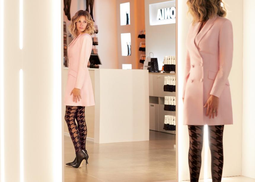 H Julia Roberts πρωταγωνιστεί στην νέα Calzedonia campaign που πρέπει να δεις! | tlife.gr