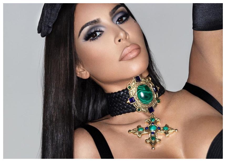 H Kim Kardashian σου βρήκε το τέλειο tip αν θες να βάλεις sexy ντεκολτέ!