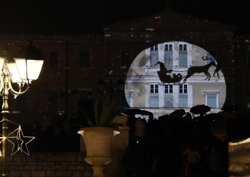 To εκπληκτικό 3D mapping στη Βουλή,  που έφερε τα Χριστούγεννα στην Αθήνα! video | tlife.gr