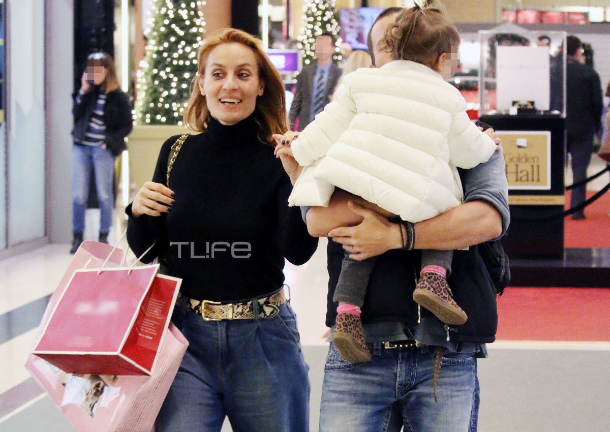 Ελεονώρα Μελέτη – Θοδωρής Μαροσούλης: Για γιορτινές αγορές στο Μαρούσι, μαζί με την κόρη τους! [pics] | tlife.gr