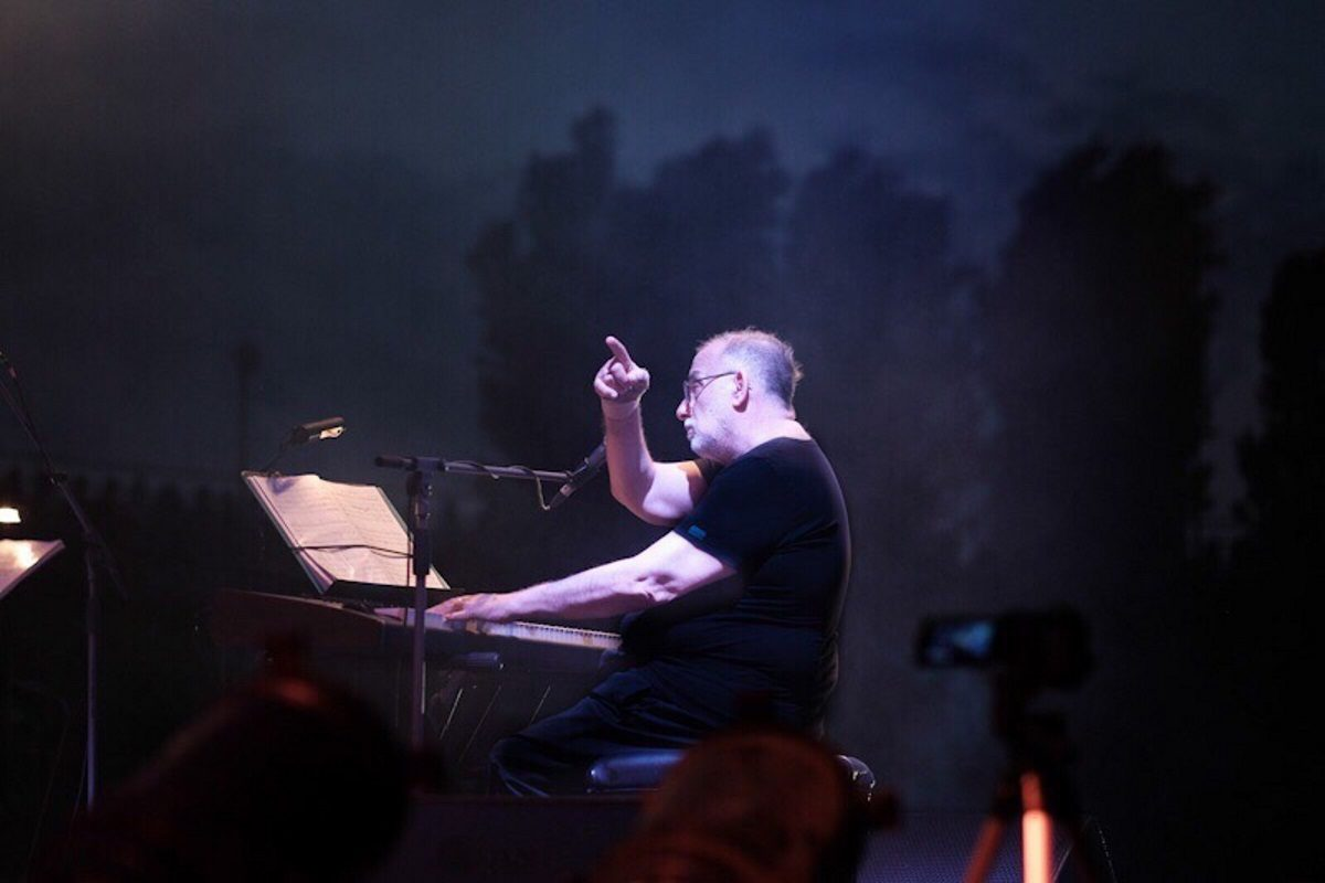 Θάνος Μικρούτσικος: Σήμερα η κηδεία του σπουδαίου μουσικοσυνθέτη   tlife.gr