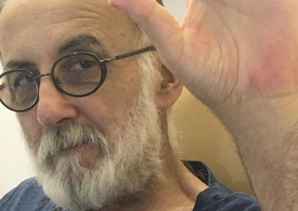 Θάνος Μικρούτσικος: Ραγίζει καρδιές του μήνυμα του Γιώργου Καραδήμου για το θάνατο του μουσικοσυνθέτη
