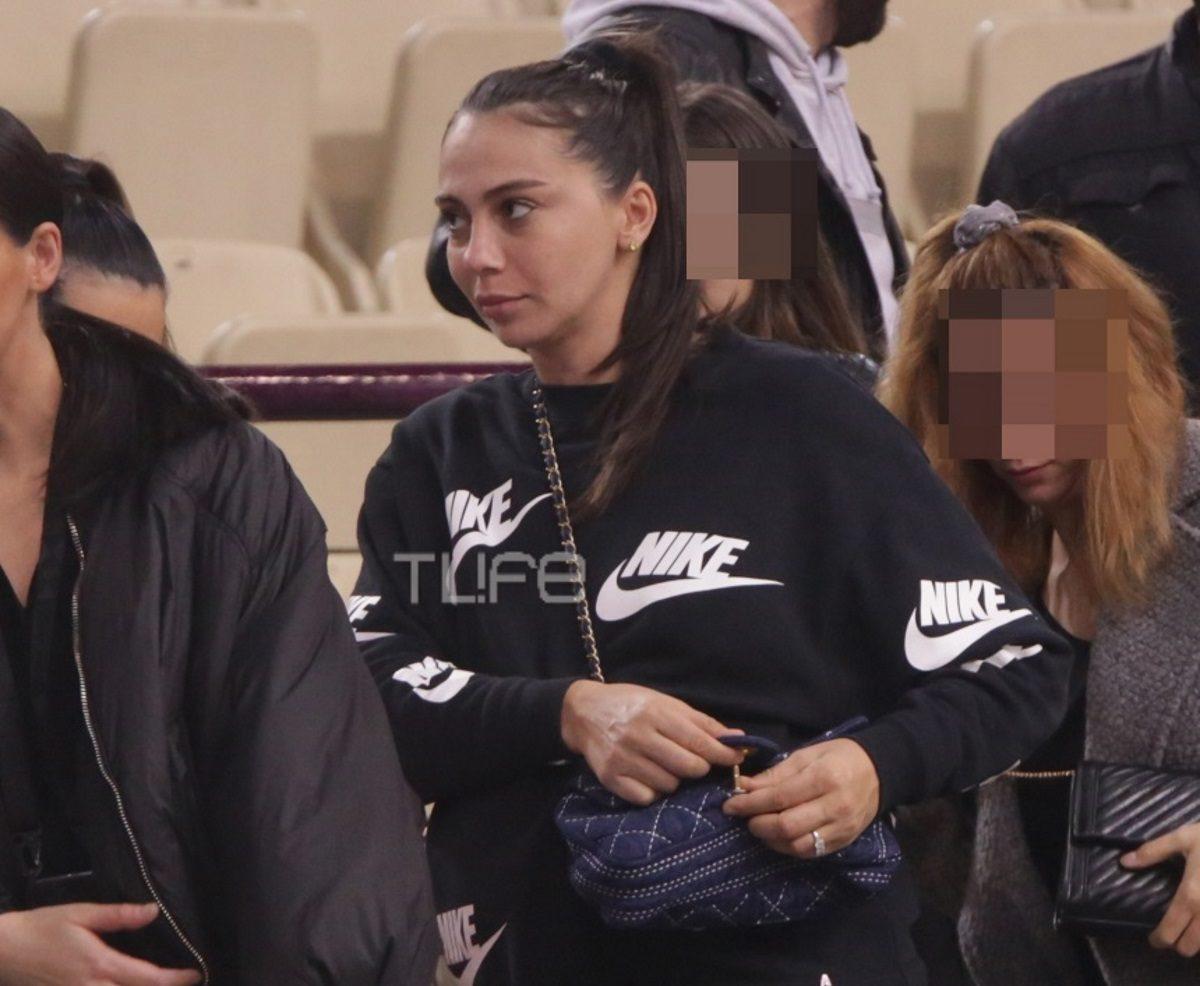 Ολυμπία Χοψονίδου: Στο γήπεδο για να παρακολουθήσει τον Βασίλη Σπανούλη, λίγο πριν γεννήσει! [pics] | tlife.gr
