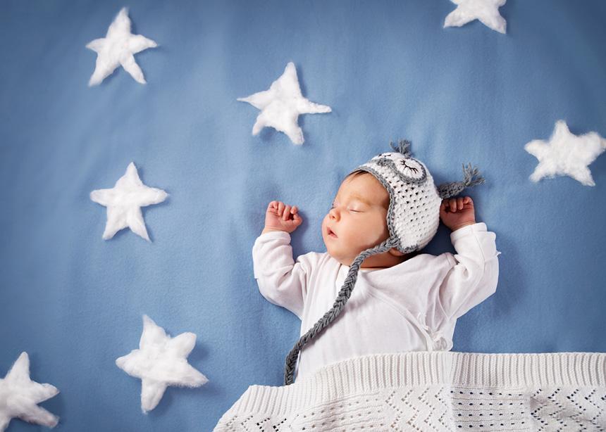 Βρεφικός ύπνος: Εύκολα tips για να κοιμηθεί σαν… πουλάκι!