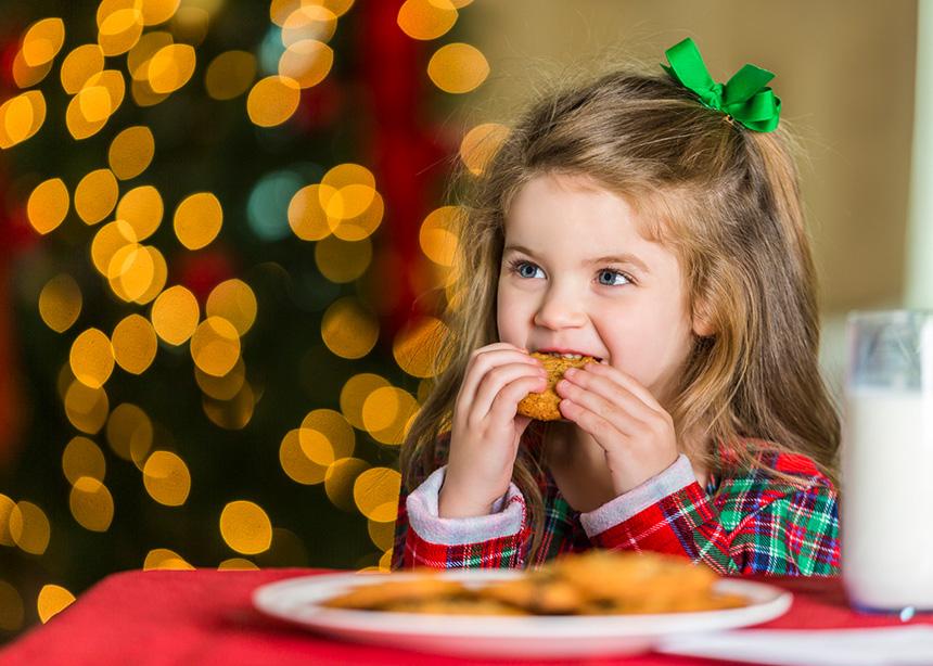 Μελομακάρονα ή κουραμπιέδες; Ποιο είναι το καλύτερο και πόσο μπορεί να φάει το παιδί; | tlife.gr