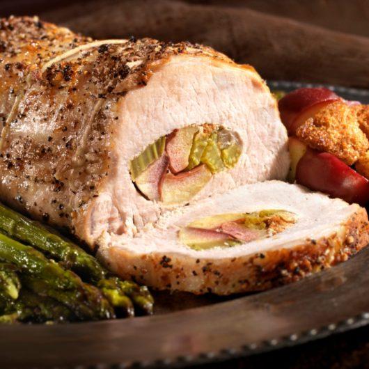 Χριστουγεννιάτικο χοιρινό ρολό με γέμιση από τον chef, Τάσο Αντωνίου | tlife.gr