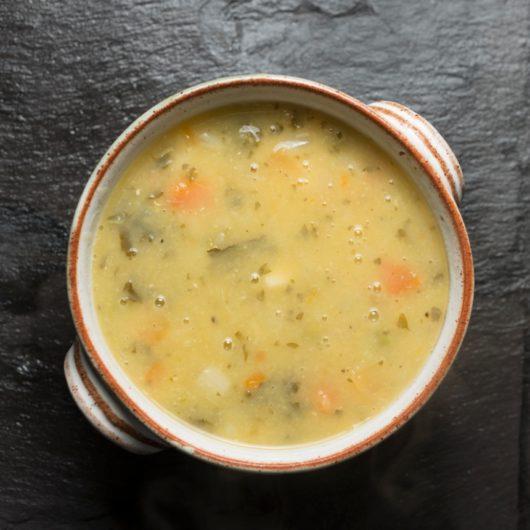 Βελουτέ σούπα με χόρτα   tlife.gr