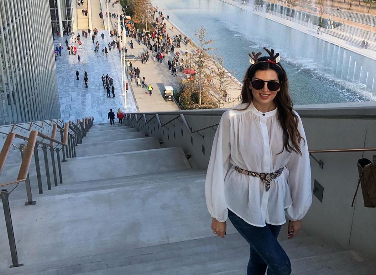 Σταματίνα Τσιμτσιλή: Κυριακάτικη οικογενειακή βόλτα στην Αθήνα [pics]