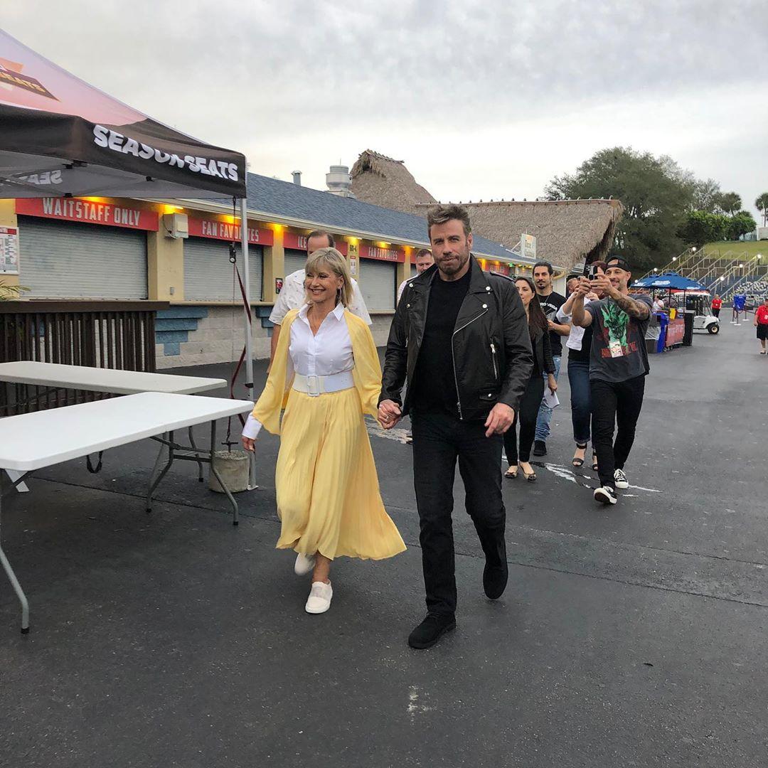 John Travolta: Σμίγει μετά από 40 χρόνια με την Olivia Newton-John στο Grease! Φωτογραφίες και βίντεο