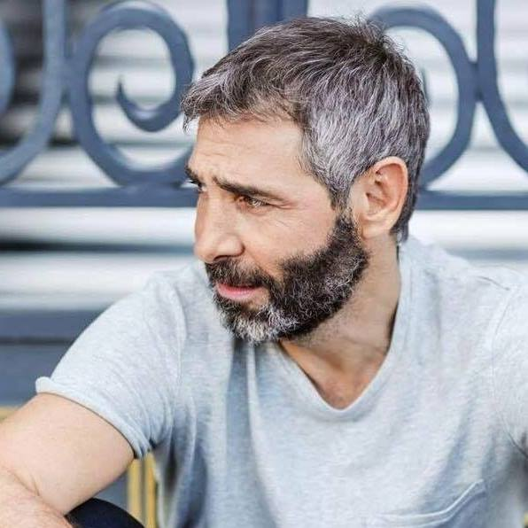 Θοδωρής Αθερίδης: Λιποθύμησε στο θέατρο – Ποια είναι η κατάσταση της υγείας του   tlife.gr