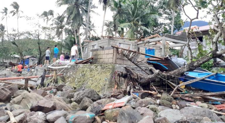 Φιλιππίνες: Τουλάχιστον 50 νεκροί από τον τυφώνα Φανφόν | tlife.gr